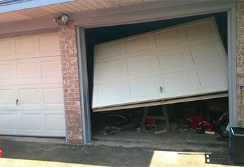 Garage Door Off Track | Garage Door Repair Winter Springs, FL
